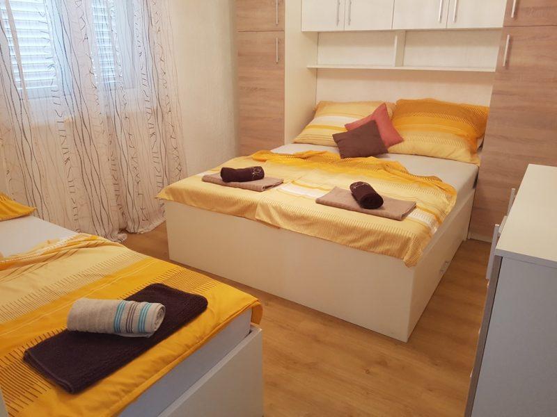 novalja-zrce-schlafzimmer2