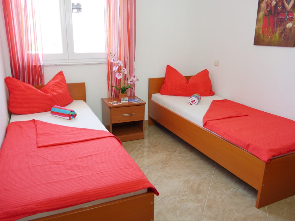 apartment-insel-pag-schlafzimmer