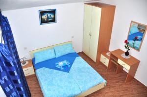 novalja-apartment-schlafzimmer
