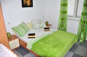 novalja-unterkunft-schlafzimmer