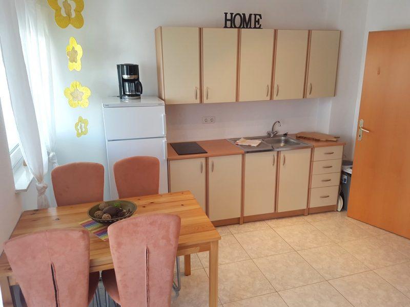 novalja-zrce-apartment-j01-Kueche