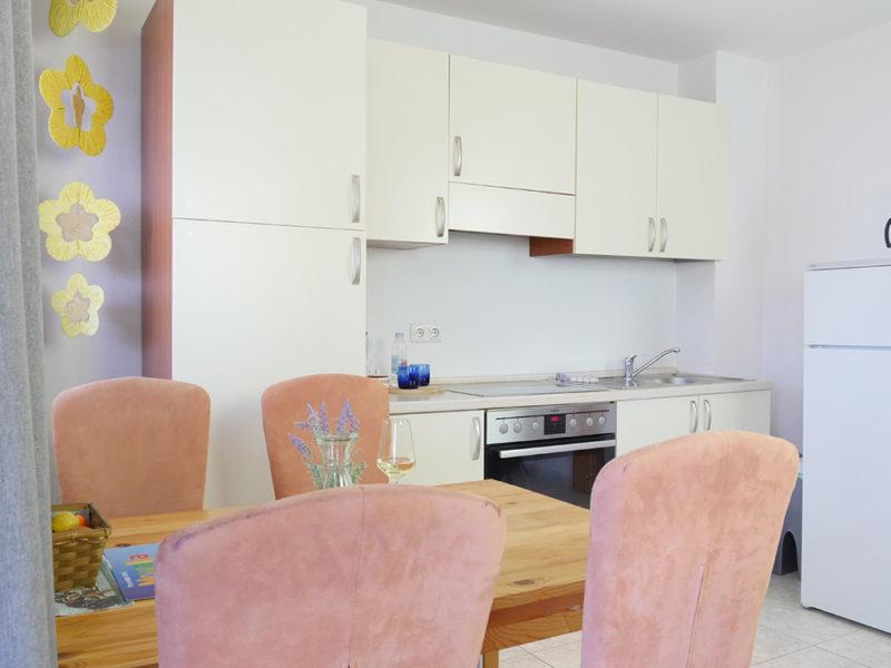 novalja-zrce-apartment-j01-Kueche-details_v2