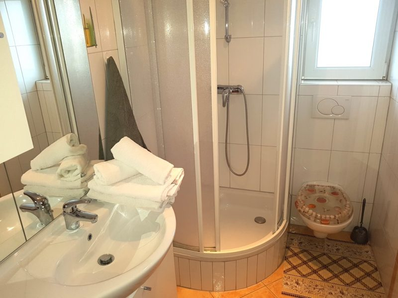 novalja-zrce-apartment-j01-haus2-bad