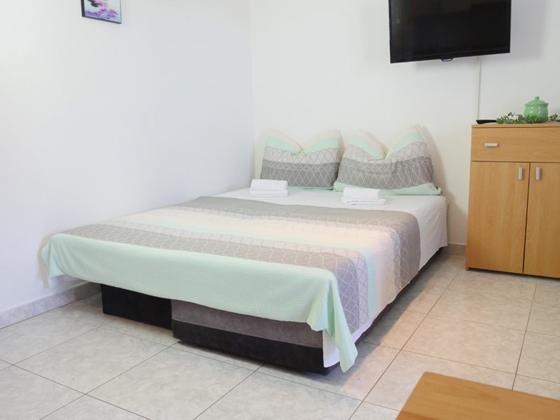 novalja-zrce-apartment-j01-haus2-schlafsofa-2_v2