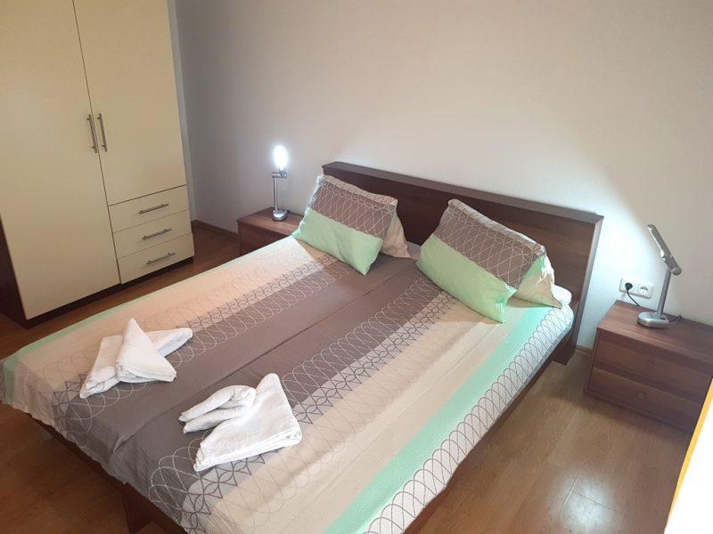 novalja-zrce-apartment-j01-haus2-schlafzimmer