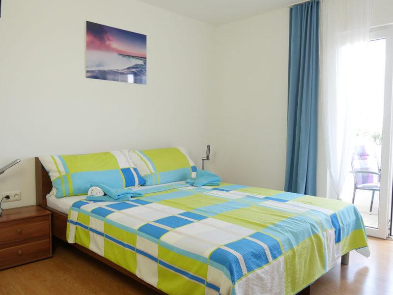 novalja-zrce-apartment-j01-haus2-schlafzimmer_v2