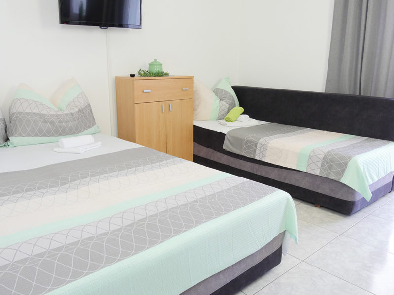 novalja-zrce-apartment-j01-haus2-wohn-schlaf_v2