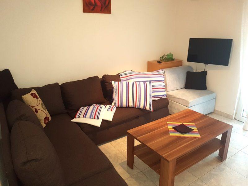novalja-zrce-apartment-j01-haus2-wohnraum