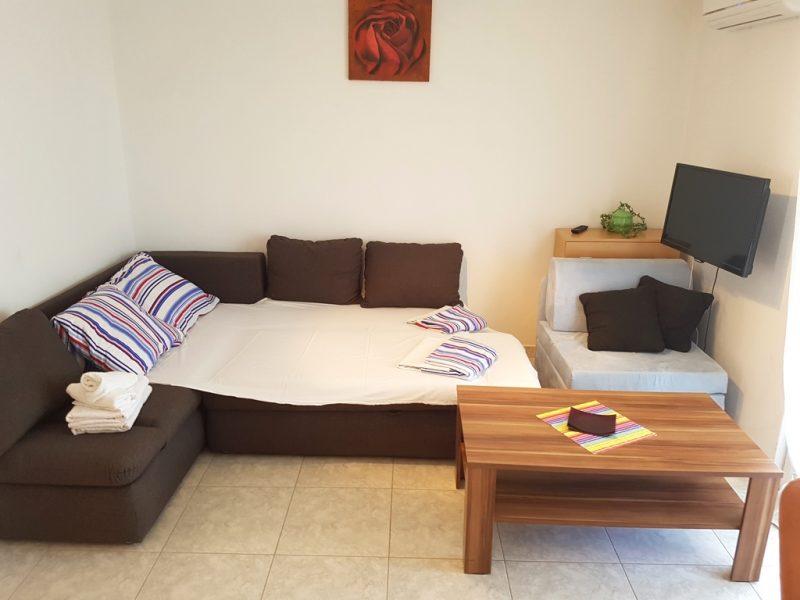 novalja-zrce-apartment-j01-schlafsofa