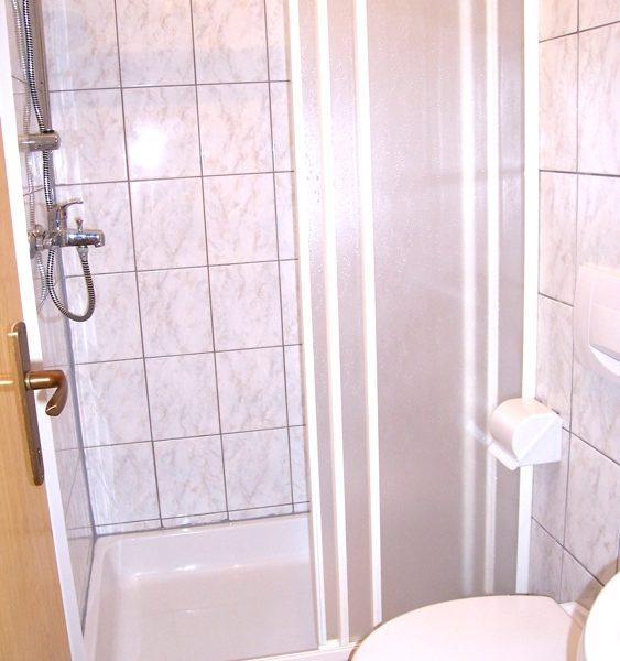 novalja-zrce-ferienhaus-dusche
