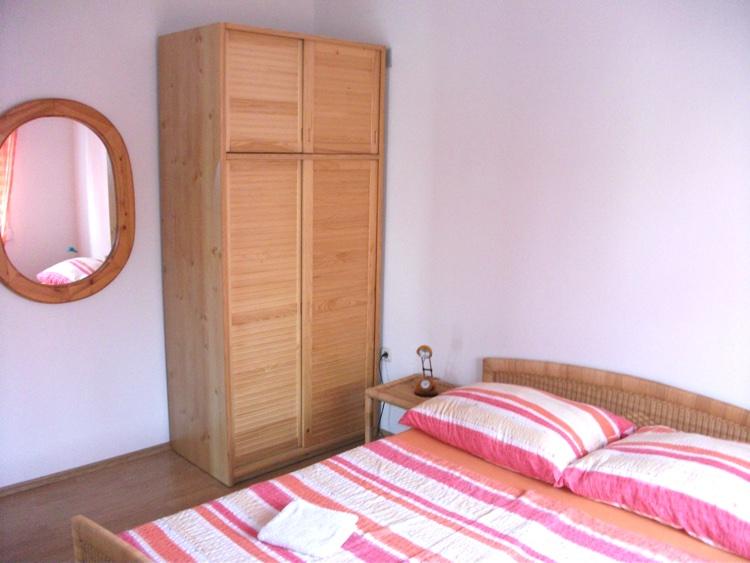 novalja-zrce-ferienhaus-schlafzimmer