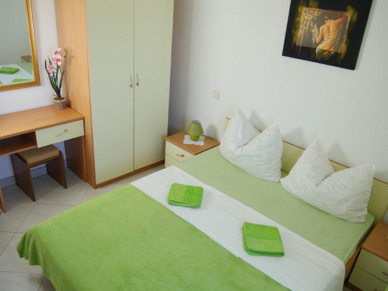 schlafzimmer-mobilert-apartment-a4
