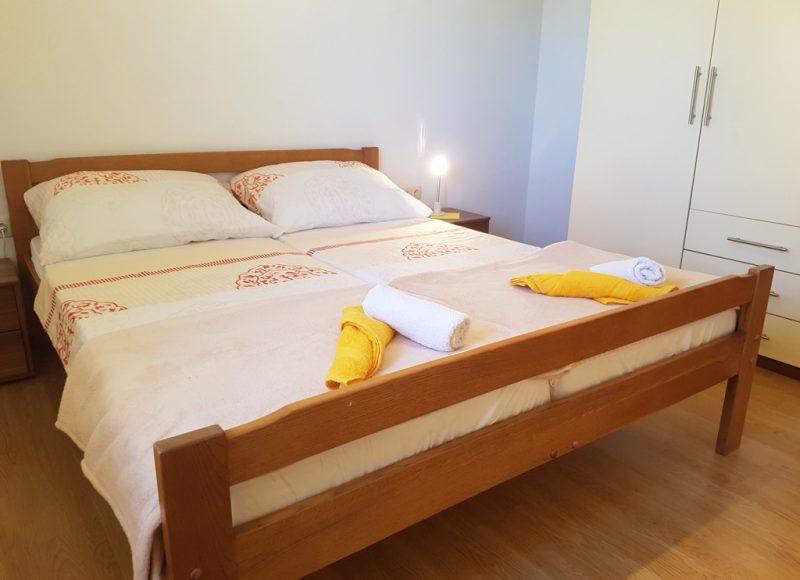 Novalja-zrce-apartment-j2-doppelbett