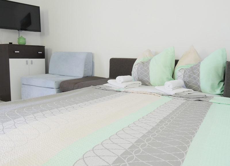 Novalja-zrce-apartment-j2-haus2-schlafsofa-2_v2
