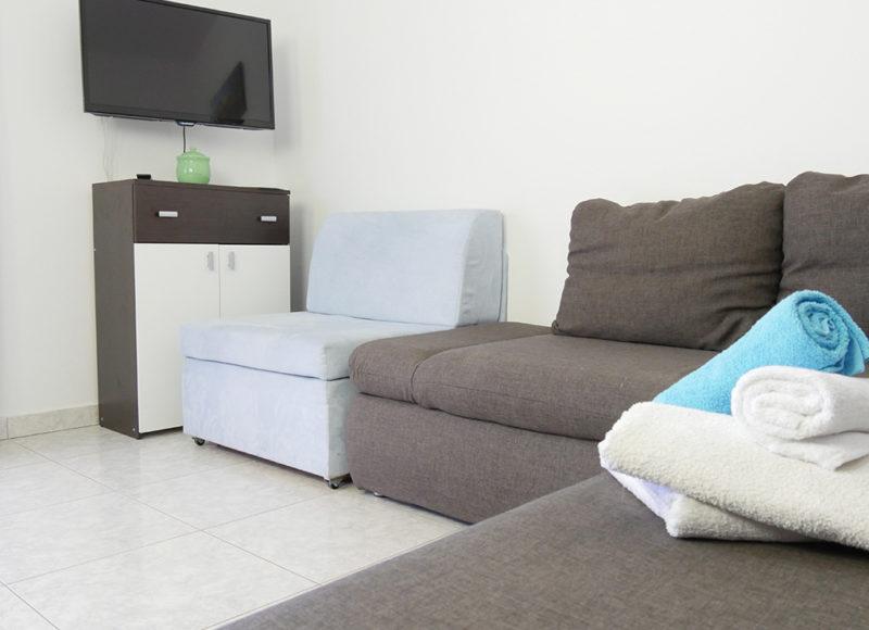 Novalja-zrce-apartment-j2-haus2-wohnzimmer-2_v2