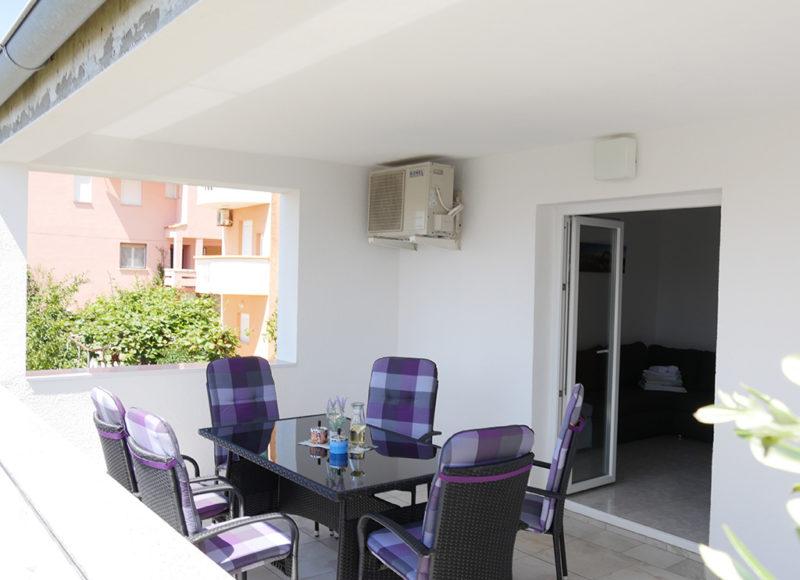 Novalja-zrce-apartment-j2-terasse-3_v2
