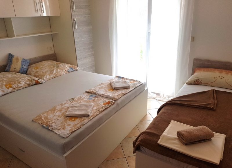 insel-pag-apartment-a02-schlafzimmer