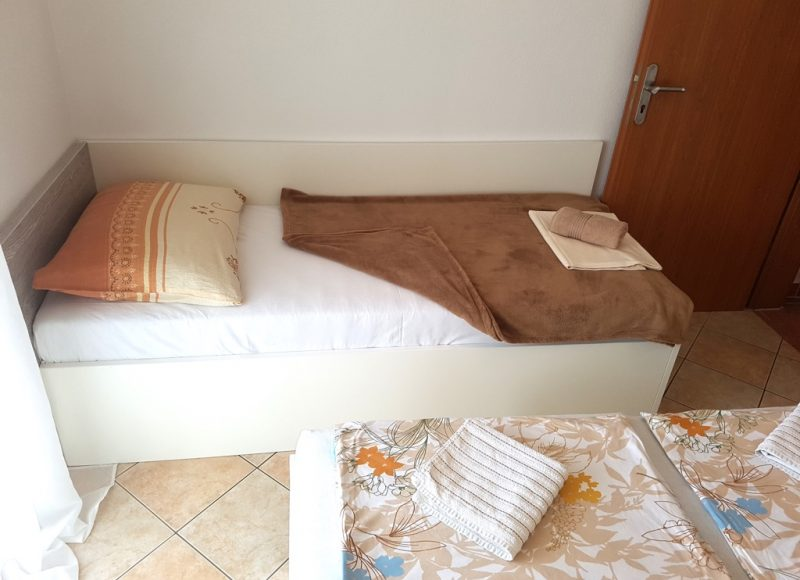 insel-pag-apartments-a02-einzelbett